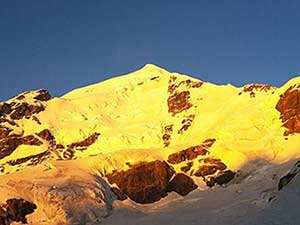 Scheduled expedition on Mt Tetnuldi with fixed dates